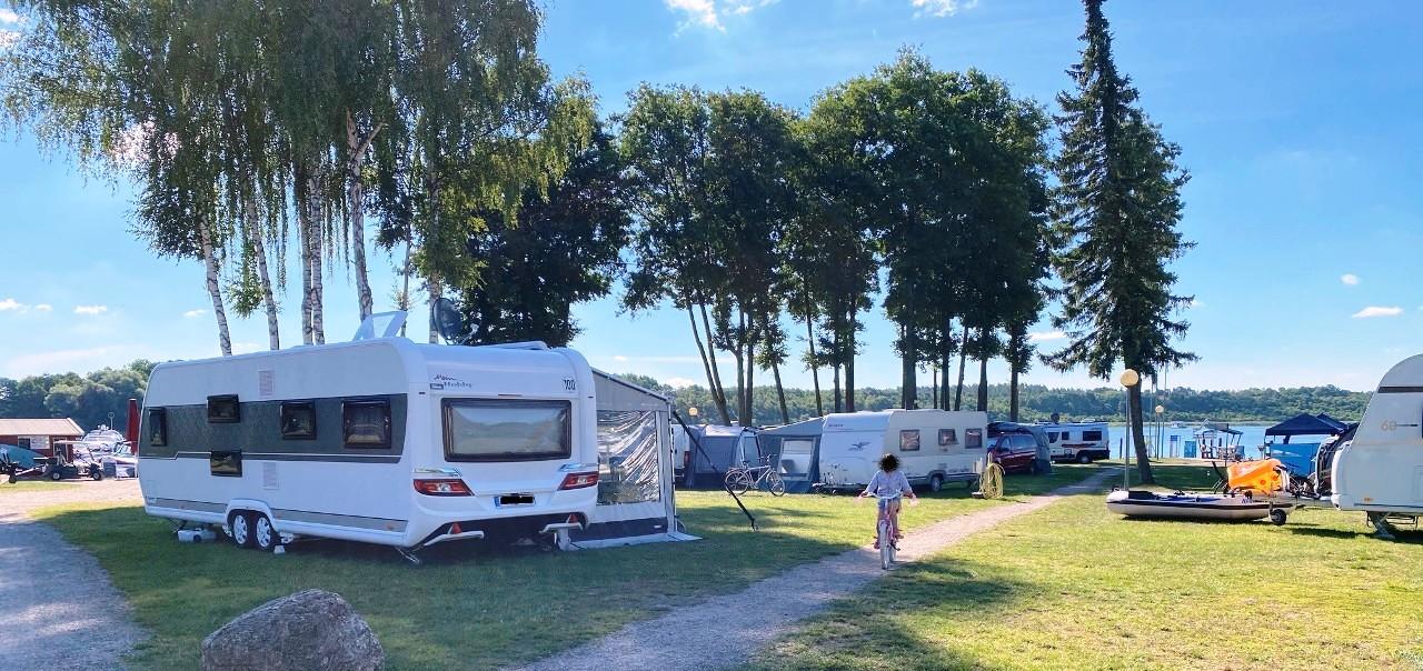 Campen am Wasser