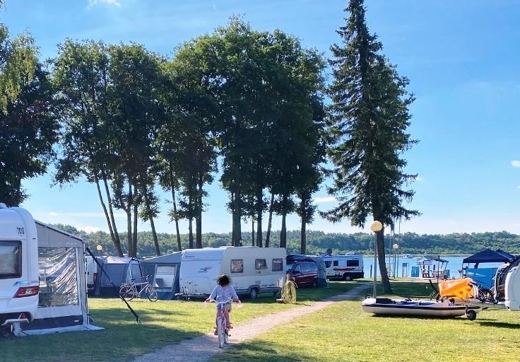 Yachthafen & Campingplatz
